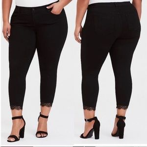 Torrid 16S black ankle skinny stiletto jeans